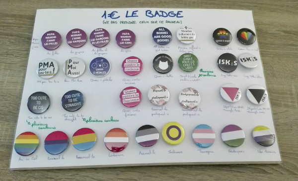 Photo des badges vendus par Iskis